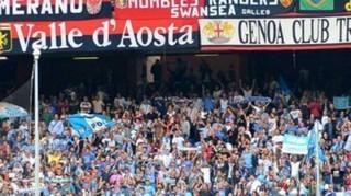 Nella foto tifosi Genoa e Napoli