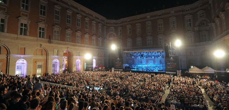 "Standing ovation per Kaufmann ed Agresta all'Aperia. Termina ""Un 'estate da Re"""