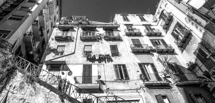 Al PAN di Napoli, ottanta scatti per raccontare il Pallonetto di Santa Lucia