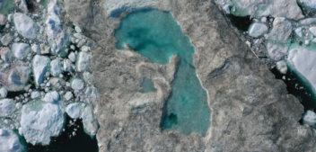 Groenlandia, fiumi d'acqua scorrono sul ghiaccio. Colpa delle temperature record