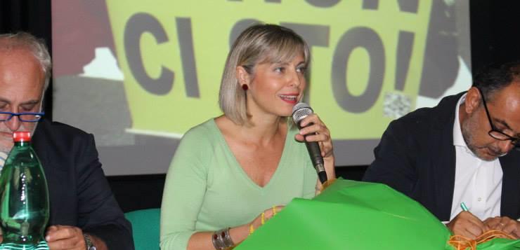 """Arriva in libreria """"Aghi"""", l'esordio della giornalista Ornella Esposito"""