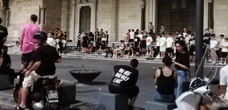 Torneo di calcetto del Duomo di Napoli. Arbitra San Gennaro?
